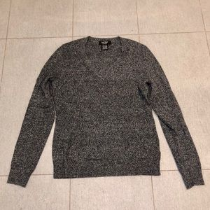 NEW✨ Lord & Taylor Cashmere V-Neck Sweater